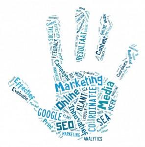 Keywords en signaalwoorden voor video en social media content weergegeven in wordcloud als hand