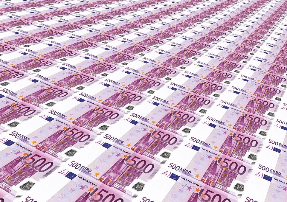 Rijen 500 euro biljetten. ROI online campagne berekenen